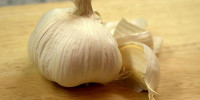 garlic-cloves-garlic w725 h544